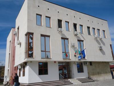 Условна присъда и 10 хил. лв. глоба за нарушена карантина получи 19-годишна жена, реши съдът в Свиленград.