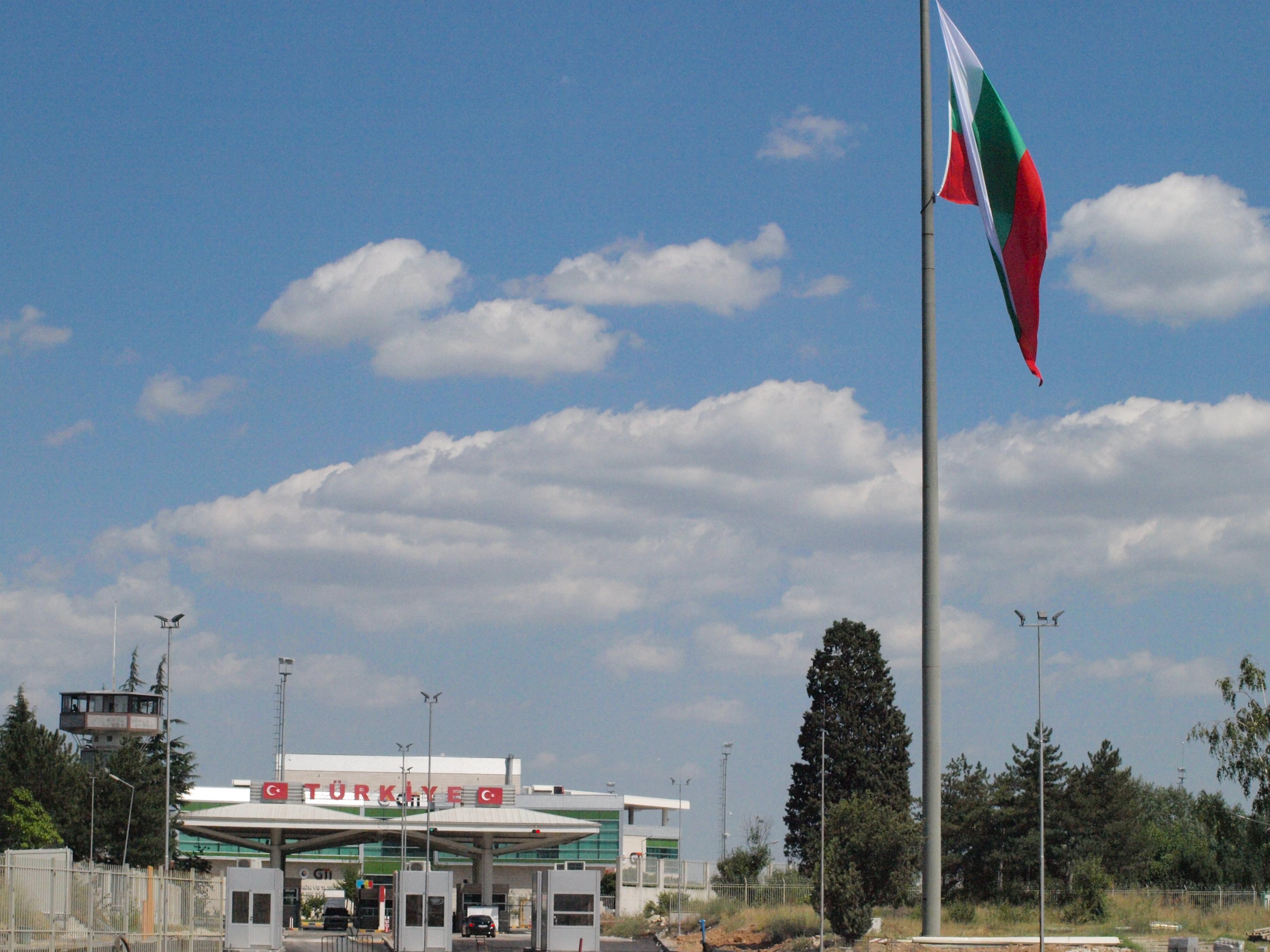 Без PCR тест за Ковид и карантина на границата с Турция