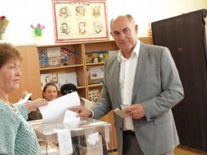 Георги Манолов
