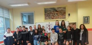 """Осмокласници от училище """"Д-р Петър Берон"""" в Свиленград изработиха макет на каравелата на Христофор Колумб"""