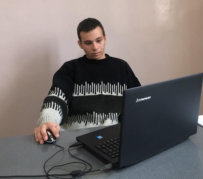 Ученикът Янаки Коларов приет в пет английски университета