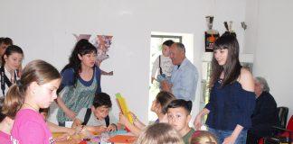 """Изложба """"Детска илюстрация"""" на Катина Недева в Арт галерията"""