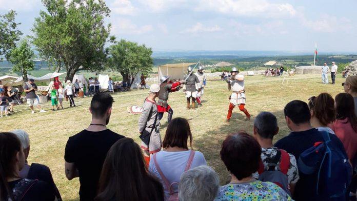Свиленградчани и туристи посетиха Първия средновековен фестивал в Мезек