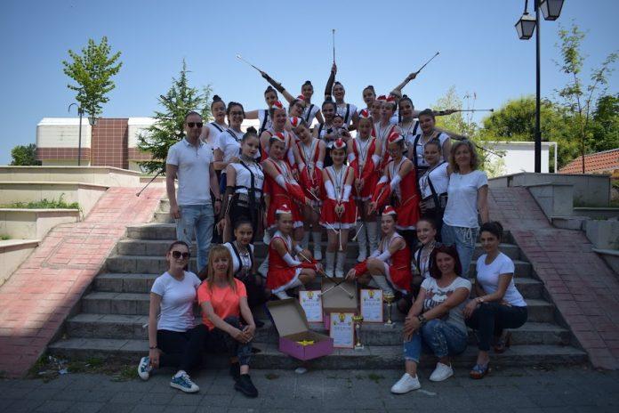 """Две първи места за мажоретките на Свиленград от """"Слънчева Бесапара"""""""
