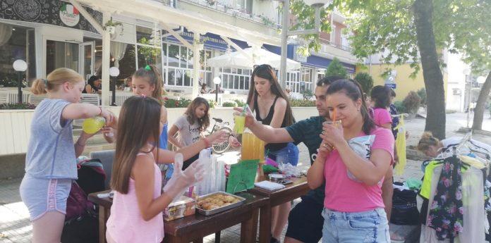 Деца с базари и мероприятия в подкрепа на Никол