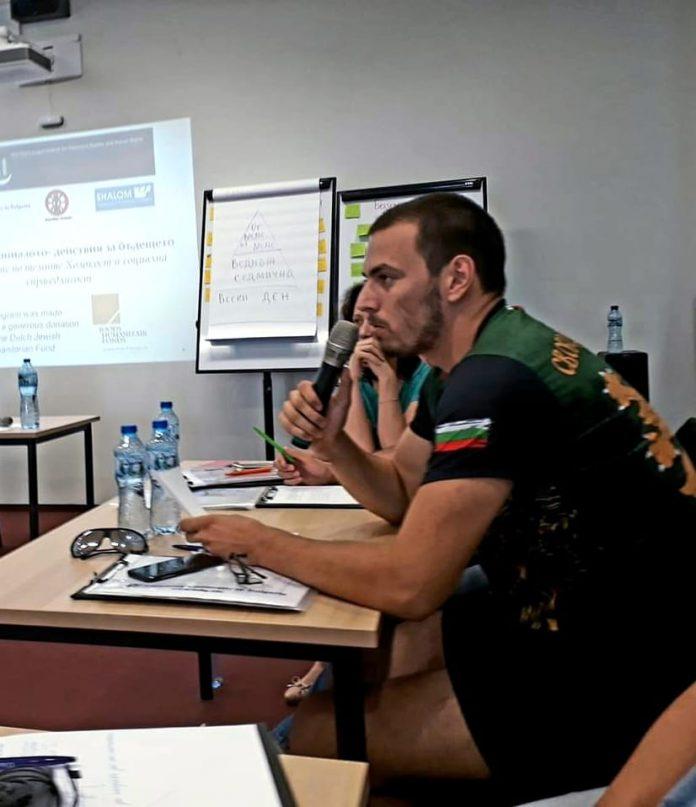 Млади учители разказват забравената история на българите