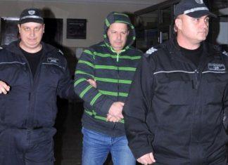 Затвор за митничар за кражба на пари от склада с доказателства