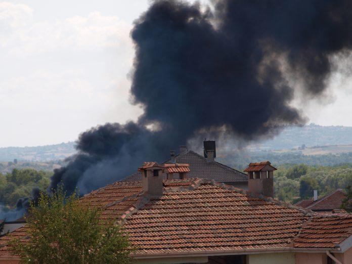 Сухи треви горяха в Свиленград, бали слама - в Капитан Андреево