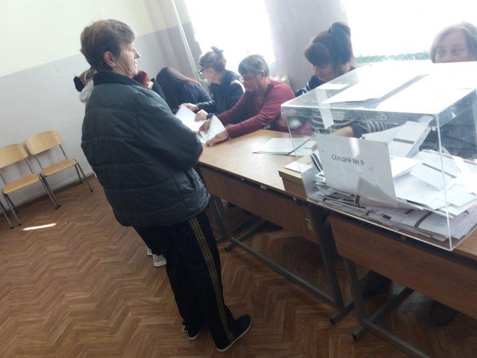 До 17.30 часа: Избирателната активност в община Свиленград е 57%