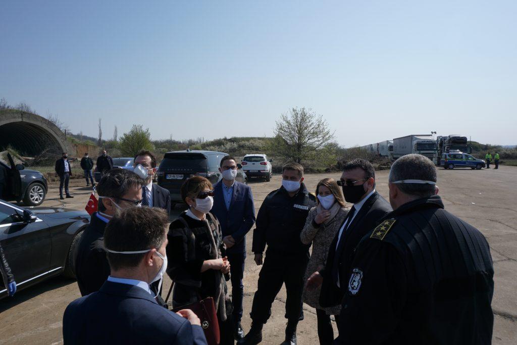 Младен Маринов запозна представител на Турция с условията на паркинга в Узунджово