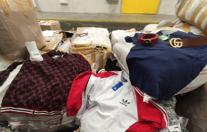 148 000 защитни маски откриха митничари на Капитан Андреево