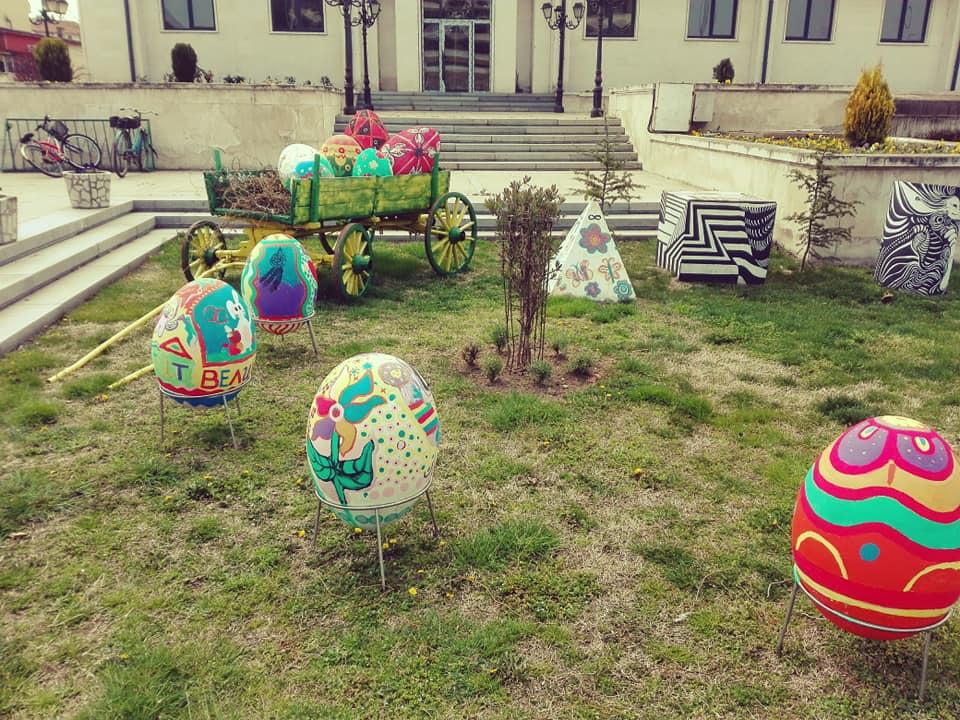 Украсиха Свиленград за Великден. Великденските конкурси ще са онлайн