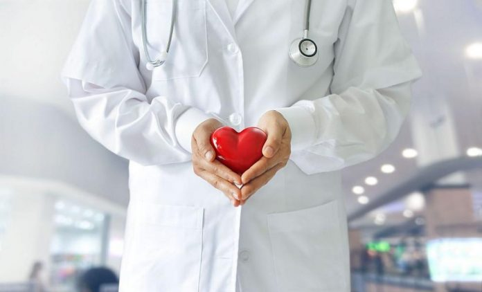 """На 7 април отбелязваме Световния ден на здравето и Деня на здравния работник. Заради коронавирус, през тази година е под мотото """"Остани вкъщи!"""